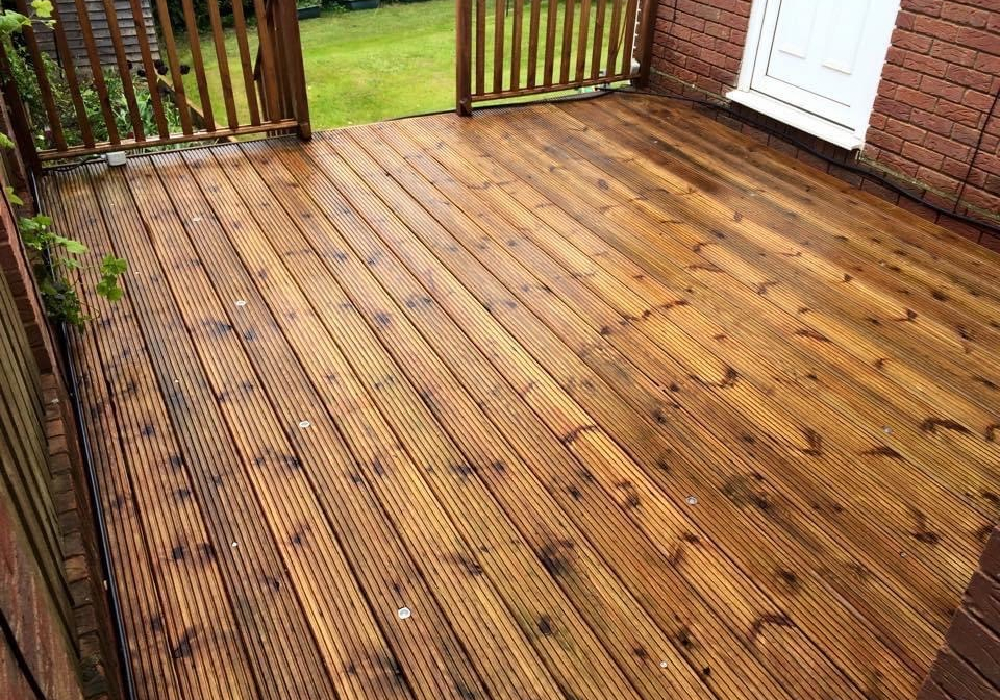 decking cleaning in salisbury